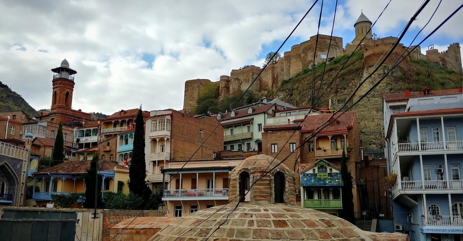 Publiczne łaźnie siarkowe – przygoda w Tbilisi