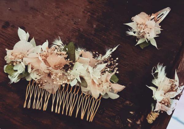 Peigne et pinces floraux par Le Baiser de la Mariée