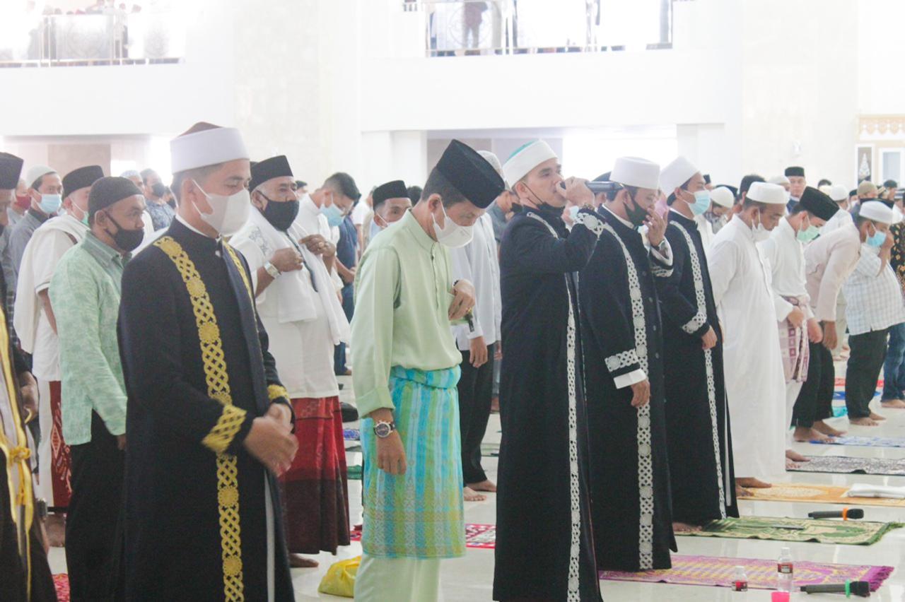 Salad Ied di Masjid Sultan Mahmud Riayat Syah, Amsakar : Utamakan Keselamatan Kita Semua Dengan Menerapkan Protkes