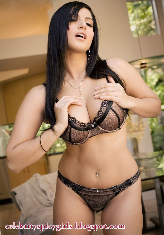 Hot And Sexy Sunny Leone Spicy Latest Bikini Shoot -4492