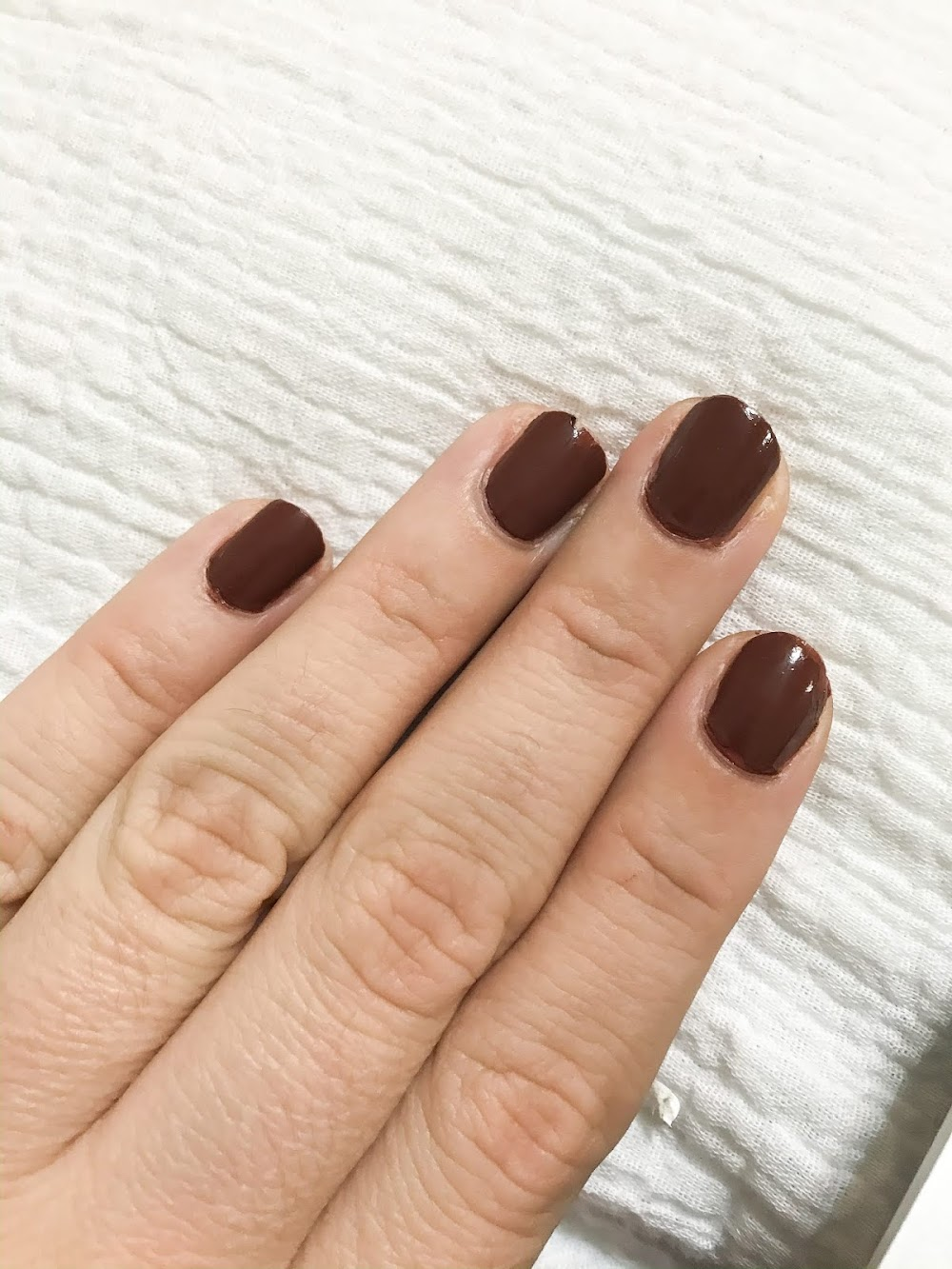 """Manicure Monday: Essie Valentine's Day 2020 """"Don't Be Choco-Late"""""""