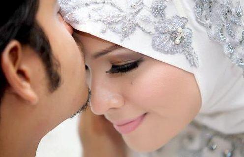 5 Rahasia Sifat Istri Yang Mendatangkan Rizki Bagi Suami