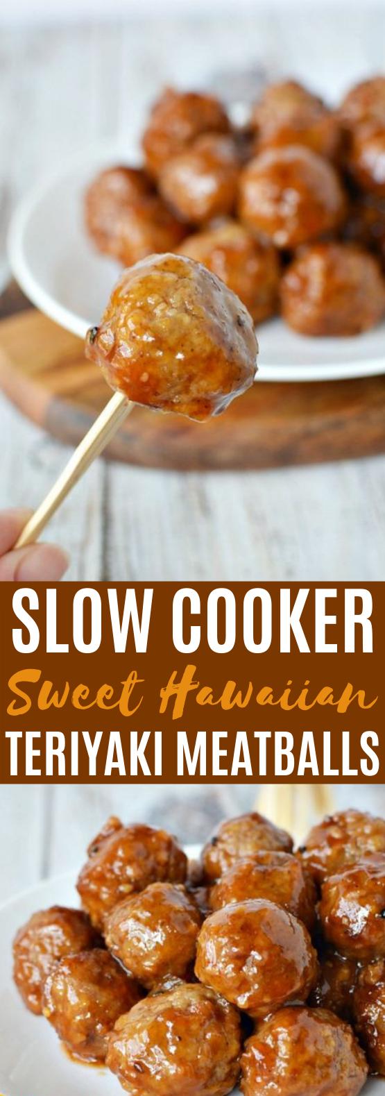 Slow Cooker Sweet Hawaiian Teriyaki Meatballs #appetizers #meatballs #dinner #gameday #slowcooker