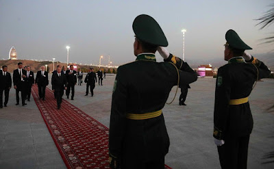 Vladimir Putin took part in a wreath-laying ceremony at the People's Memory memorial in Turkmenistan.