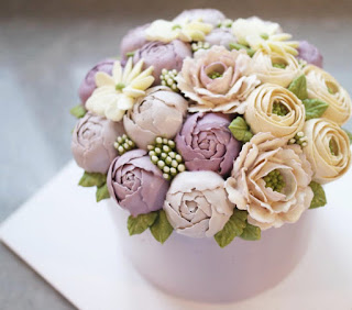 Flower Arrangement Pastel colors that beautify Cakes