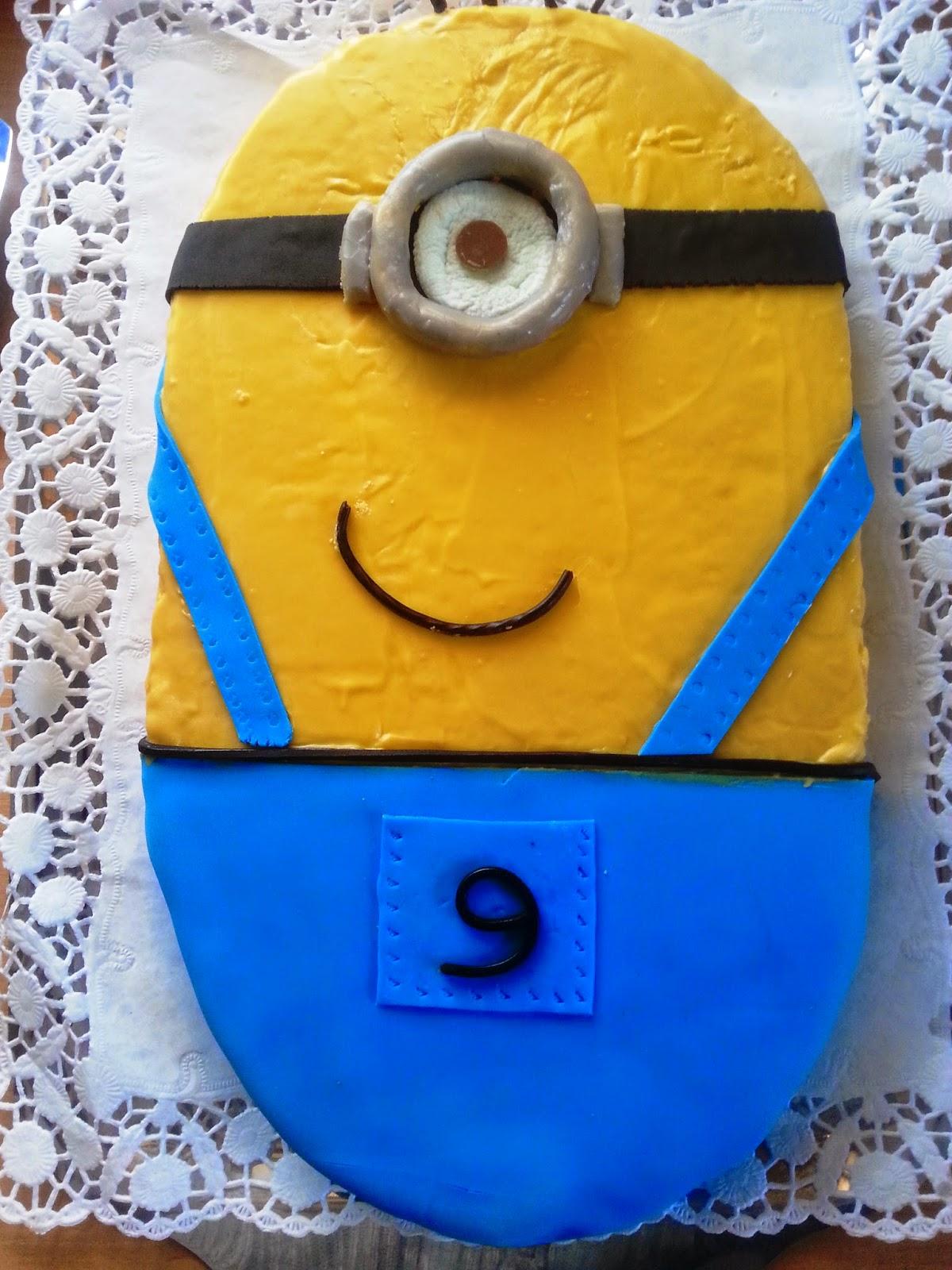 Sanna S Hexenküche Minion Kuchen
