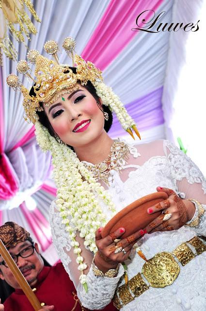 Makeup artist rias pengantin adat sunda siger