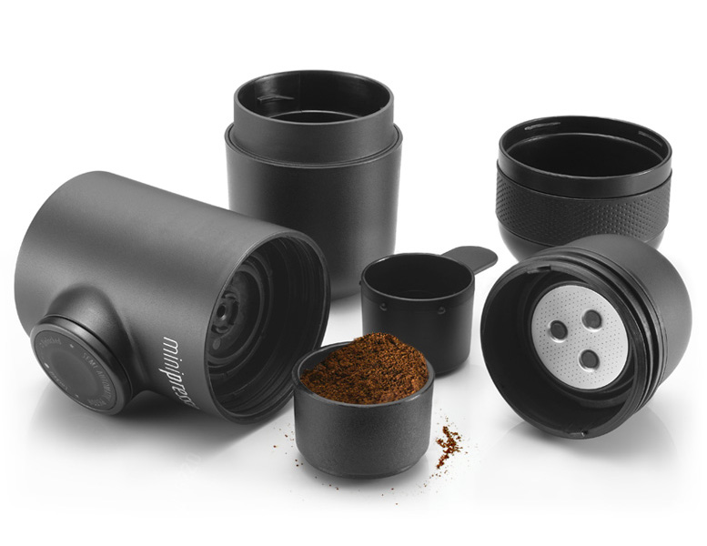 07-Hugo-Cailleton-Wacaco-Minipresso-the-Portable-Espresso-Machine-www-designstack-co
