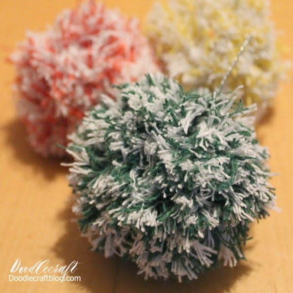 How to make pom poms diy, easy to make pom-poms!