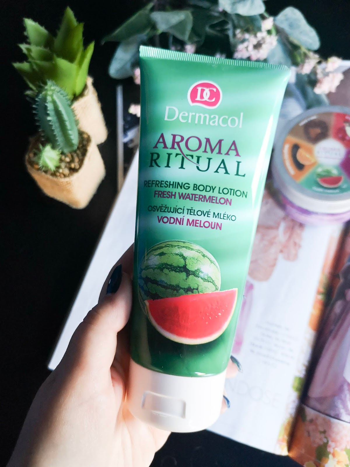 Crema hidratante corporal de  Aroma Ritual de Dermacol