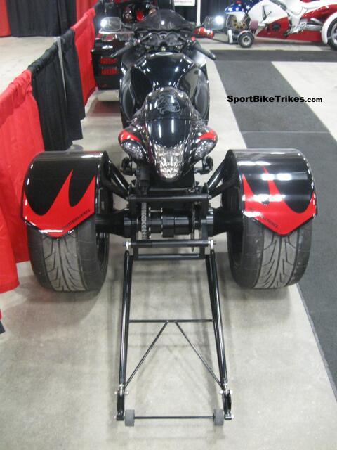 GEN2 (08-17) SUZUKI HAYABUSA GSX1300R   Street Trike Conversion Black and Red