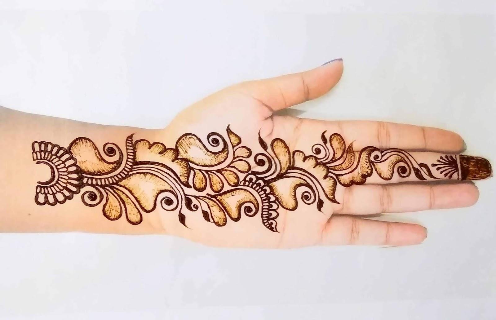 Beutiful Floral Mehndi Design