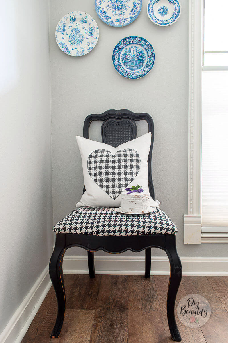 black houndstooth chair