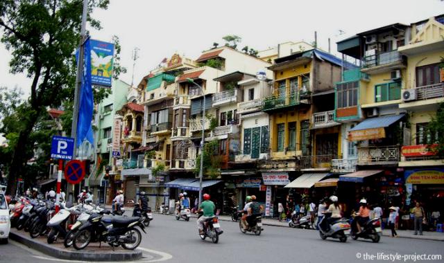 traffic-scooters-vietnam