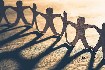 5 Ciri-Ciri Teman Yang Hanya Memanfaatkanmu