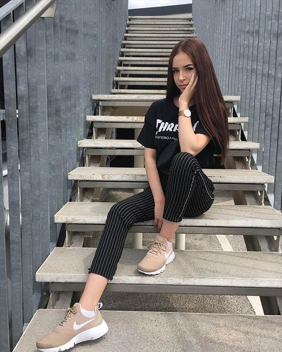 Fotos tumblr en escaleras casuales que estan de moda