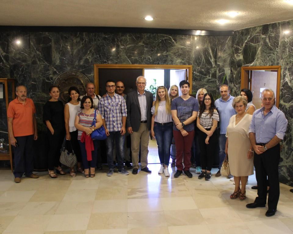"""Συνάντηση του Δημάρχου Λαρισαίων με επιτυχόντες μαθητές που συμμετείχαν στη δράση """"Κοινωνικό Φροντιστήριο"""""""
