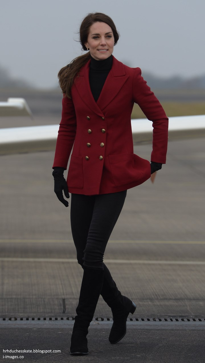 Duchess Kate In Red Philosophy Blazer For Valentines Day With Clarette Sneakers Charmaine Navy The Talented Kates Closet Swiftly Identified Piece As Di Lorenzo Serafini Double Breasted Twill 760 Claret Is Part