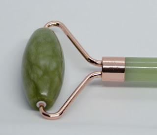 Revolution Skincare rodillo de Jade