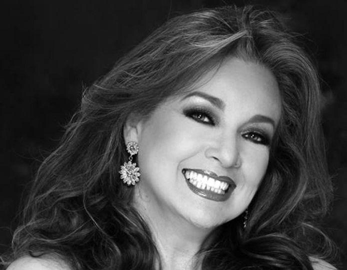 https://www.notasrosas.com/La artista de esa siempre brillante y dulce voz