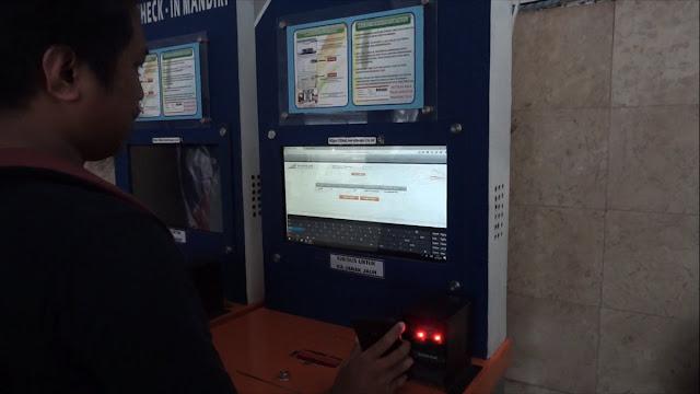Ngepprint tiket kereta api pakai bar code
