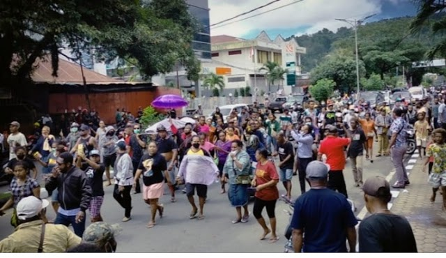 Situasi kota Manokwari hingga pemakaman kedua korban penikaman yakni DW dan HS terpantau aman dan kondusif