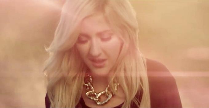 Ellie Goulding vs Sia - Burning Chandelier