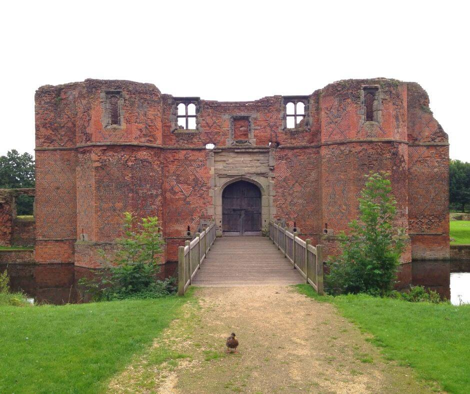 Fascinating English Heritage Castles To Visit In The East Midlands | Kirby Muxloe Castle is a really interesting place.