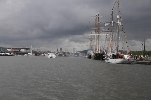 La marcophilie navale rouen ville marraine de la jeanne for Piscine ile lacroix rouen