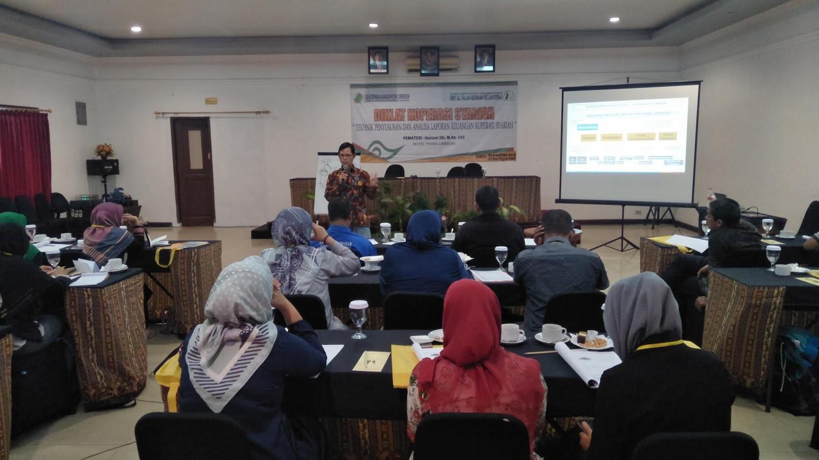 Pelatihan dengan Dekopinda Cirebon