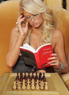 Paris Hilton pourrait bien jouer l'édition 2018 des internationaux d'échecs de Rapide & Blitz de Paris