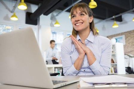 Kepuasan Kerja (Pengertian, Aspek, Indikator Faktor, dan Cara Meningkatkan)