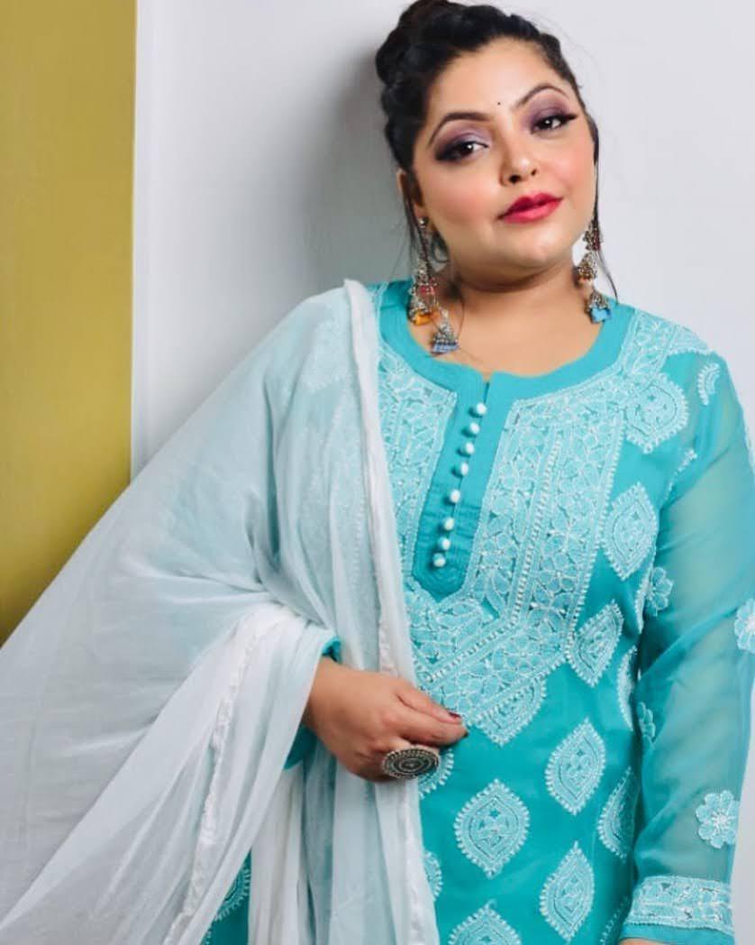 Divya Bhatnagar 6
