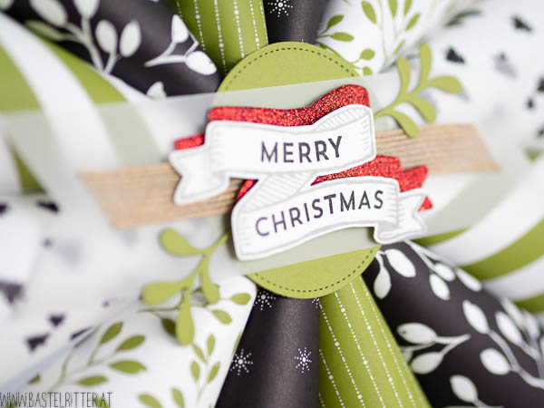 Weihnachtliche-Dekoration-Tuerkranz-Stampin-up-Bastelritter-Frohes-Fest