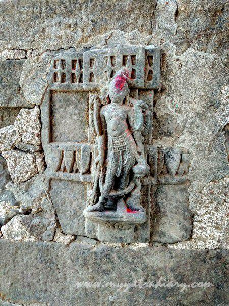 Artistic carvings on the way Mahakalika Temple, Pavagad, Champaner Gujarat