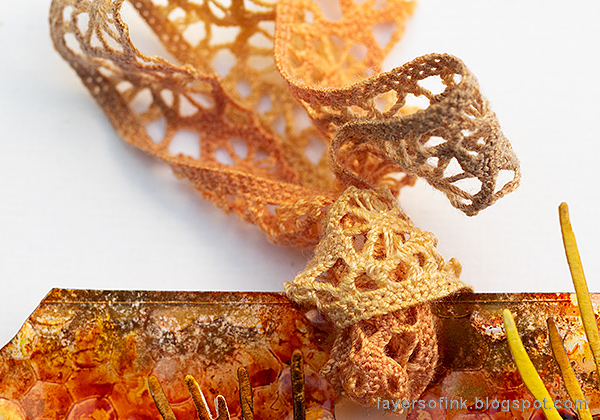 Layers of ink - Embossed Acetate Autumn Tag Tutorial by Anna-Karin Evaldsson, lace dyed with ink