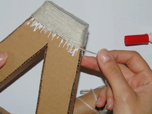 litera z kartonu i sznurka