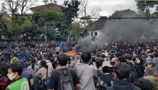 Mahasiswa Bandung Nyatakan Akan Terus Demo Hingga Menang