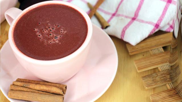 Por que eu bebo chocolate com beterraba e você deveria também (receita fácil)