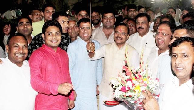 Rajesh Nagar, Rajya Sabha MP, Dr. Anil Jain, BJP leader in Tigga has done a grand welcome