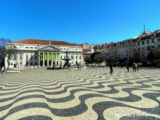 Plaza de Rossio, Teatro Nacional de Dona María II, Barrio de la Baixa, Lisboa, Portugal