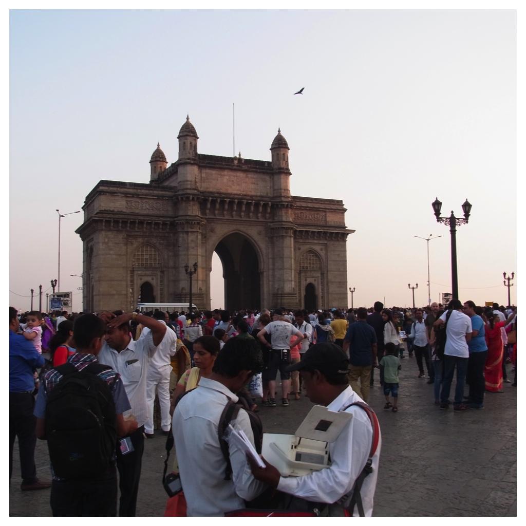 Dans les tiroirs bombay en passant par la porte des indes for Porte des indes