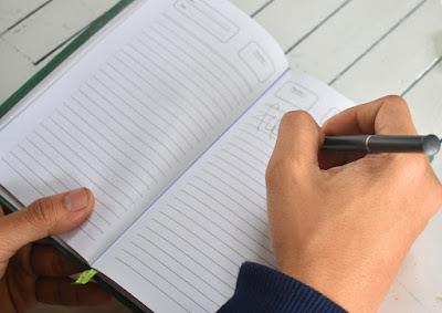 11 Strategi Untuk Menjadi Penulis Terkenal yang Disukai Orang Banyak