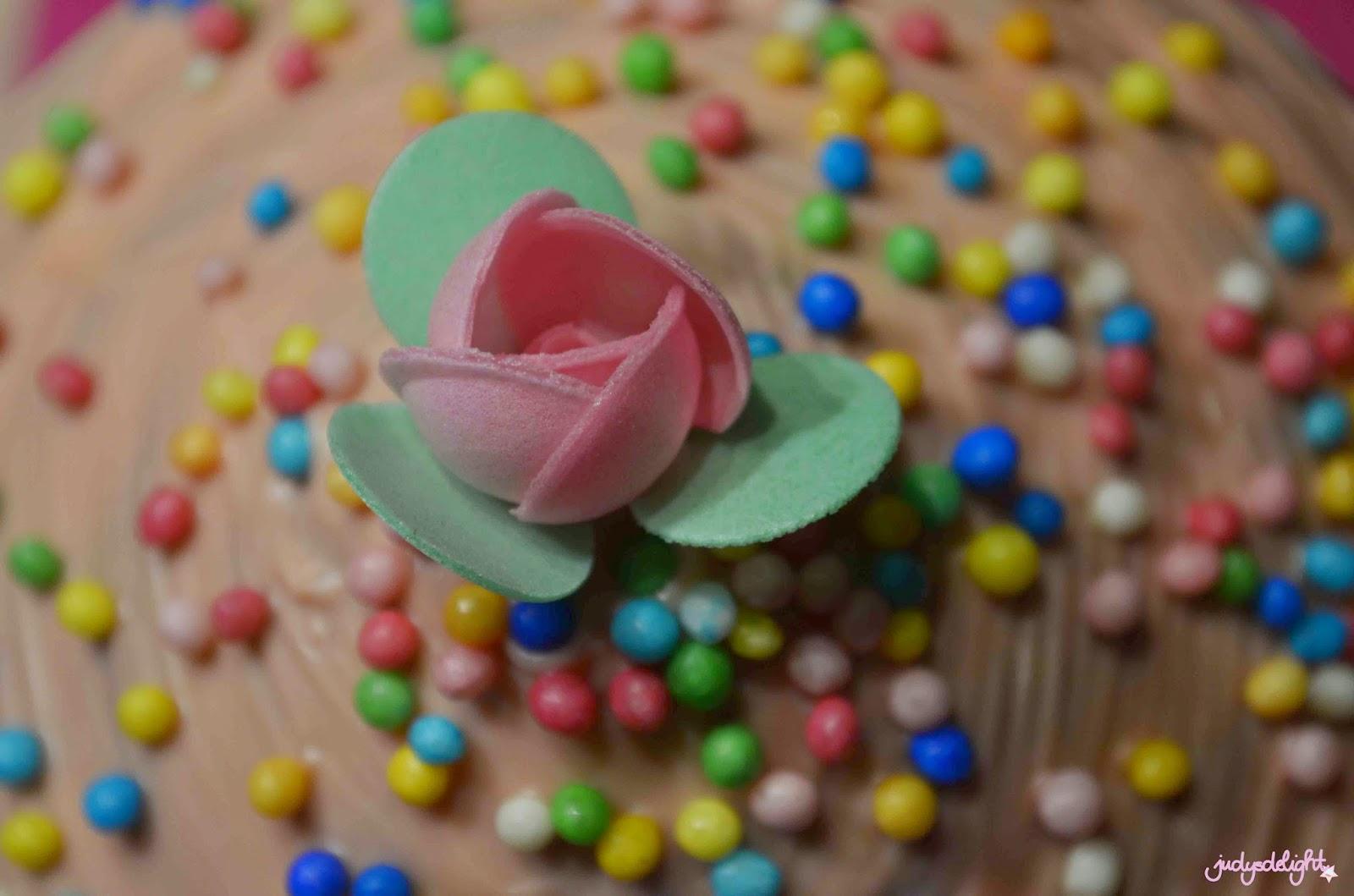 Giant Cupcake Rezept - Dekoblume