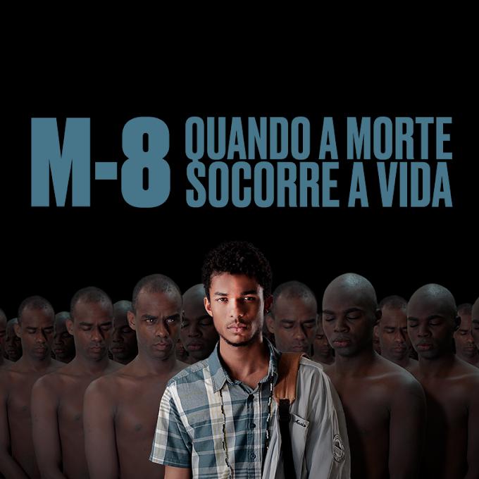 """Juan Paiva e Raphael Logam estão pelados em """"M8 Quando a Morte Socorre a Vida"""""""