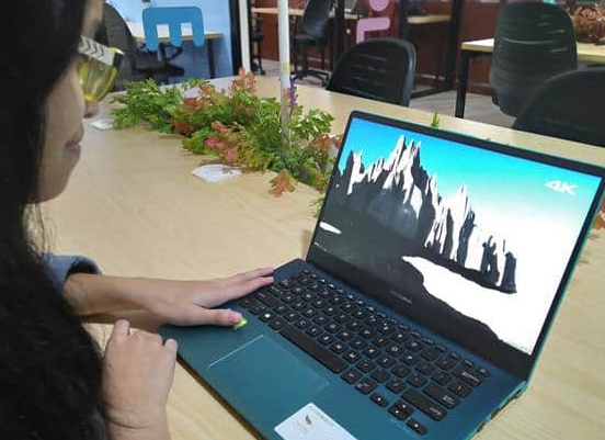 Asus Vivobook S S430 Review: Beautiful Laptop with Premium Features