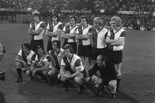 Feyenoord treedt aan voor de afscheidswedstrijd van Coen Moulijn