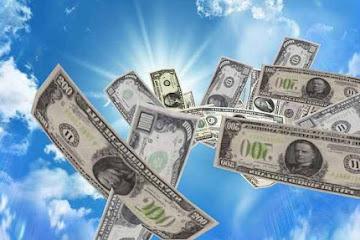 Астрологи назвали 3 знака, для которых в июле откроется денежный поток