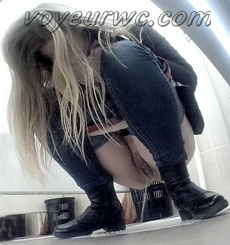 VB Piss 2283-2292 (Hidden camera in the women's restroom and pissing сollege girls)
