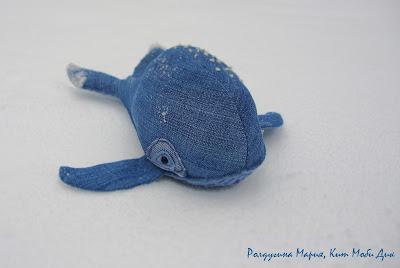 игрушка ручной работы кит